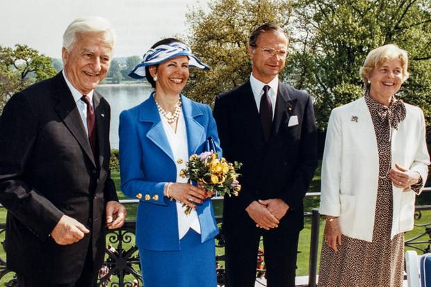 1993 begrüßten der damalige Bundespräsident Richard von Weizsäcker und seine Frau Marianne das schwedische Königspaar