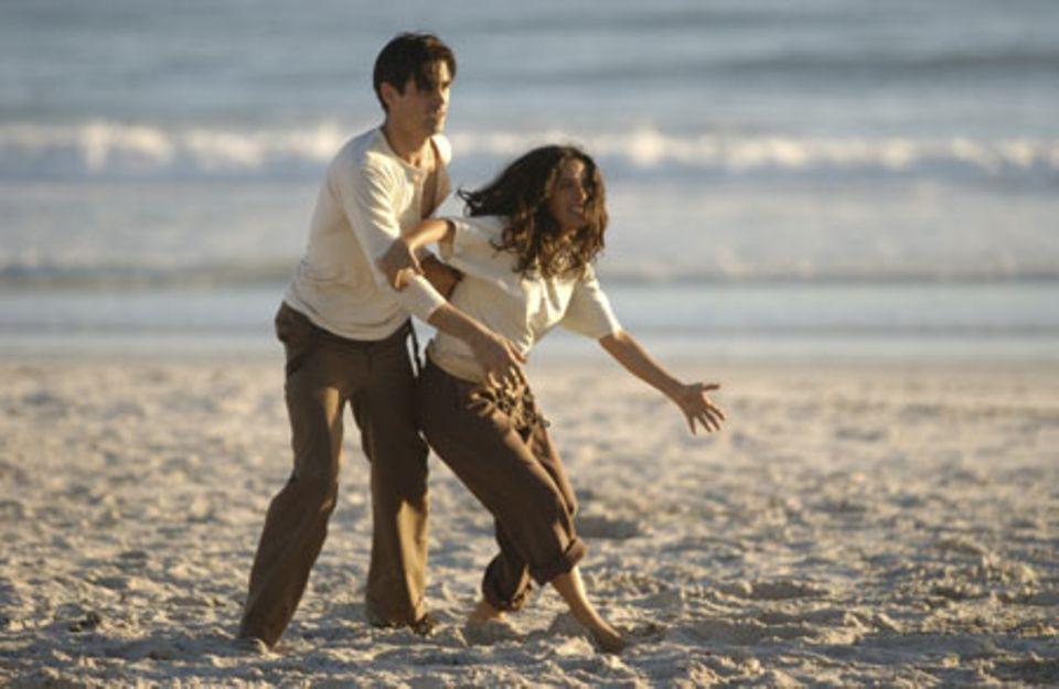 Salma Hayek und Colin Farrell - entspannt am Strand, natürlich nur im Film