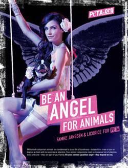 Famke Janssen mit Hund in der neuen Kampagne der Tierschutzorganisation PETA