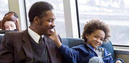 """""""Das Streben nach Glück"""" bietet bewegende Vater-Sohn-Szenen zwischen Will Smith mit seinem Sohn Jaden"""