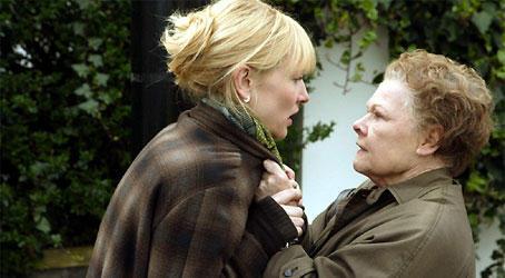 Barbara Covett (Judi Dench) will Kollegin Sheba Hart (Cate Blanchett) für sich allein