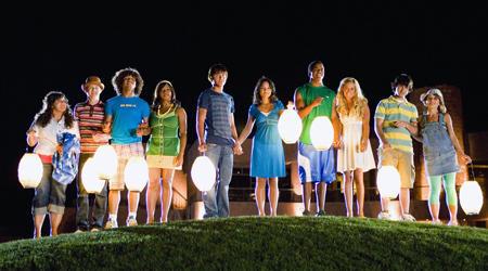 """Am Ende gibt's die Erleuchtung: der Cast von """"High School Musical 2"""""""