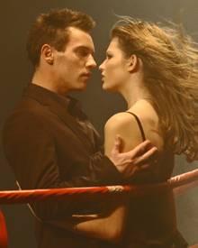 "Geschlechterkampf im neuen ""Hugo""-Duft-Werbespot: Jonathan Rhys Meyers und Topmodel Bette Franke im Boxring"