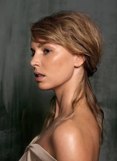 Simone Hanselmann, 27, Schauspielerin
