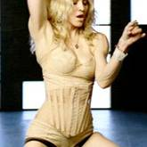 """Fünzig Jahre und kein bisschen schüchtern: Sängerin Madonna in """"Four Minutes"""""""