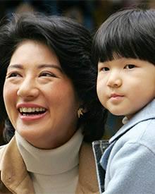 Prinzessin Masako und die kleine Aiko verzichten gerne auf den höfischen Pomp