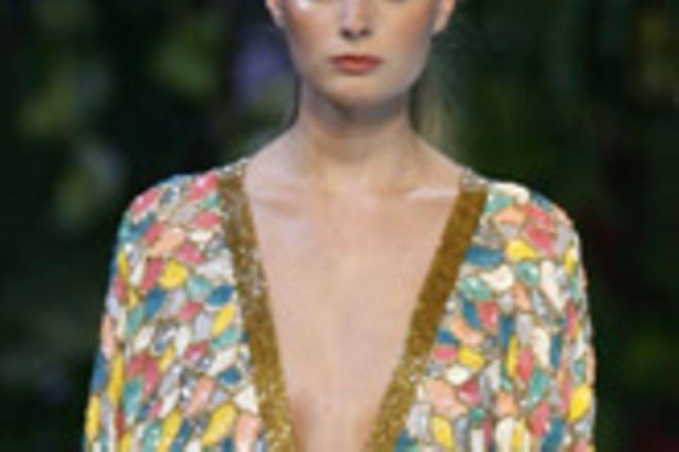 Sophie Albou legte einige der schönsten Kleider von Pierre Cardin neu auf