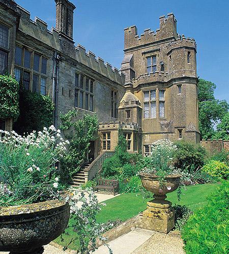 Imposante Szenerie: Auf Sudeley Castle ist ein unvergessliches Fest garantiert