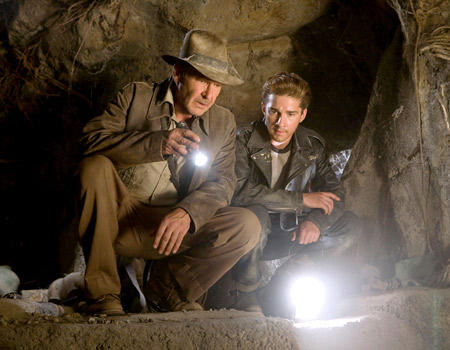 Indiana Jones und sein junger Gefährte Mutt Williams, mit dem ihn eine ganze Menge verbindet