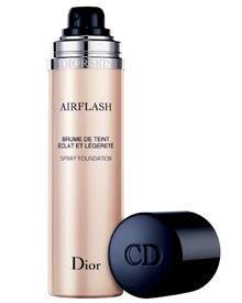 """Das Highttech-sprüh-Make-up """"Diorskin Airflash"""" lässt Unebenheiten verschwinden"""