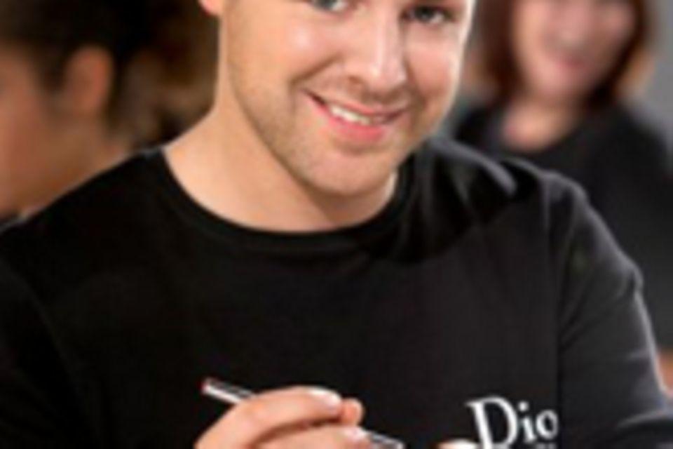 Dior-Stylist Norman Pohl schminkt Natalie Portman