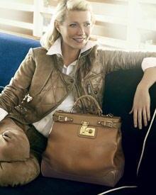 Ein Star und sein neues Lieblings-Accessoire: Mit dieser Tasche teilt Gwyneth Paltrow gerne auch das Sofa