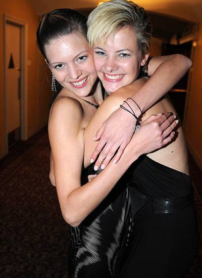 Eine von ihnen könnte schon bald Germany's next Topmodel sein: Christina und Jennifer