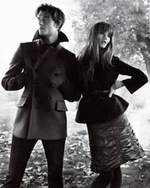 Sam Riley und Rosie Huntington-Whiteley in der Herbst/Winter-Kampagne von Burberry