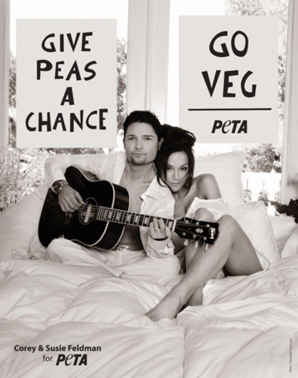 """So posieren Corey Feldman und seine Frau Susie für die aktuelle Kampagne von """"Peta"""""""