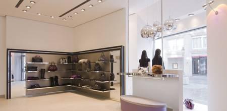 Erhältlich ist die 6267-Kollektion im frisch renovierten Modehaus Maendler in Münchens edler Theatinerstraße