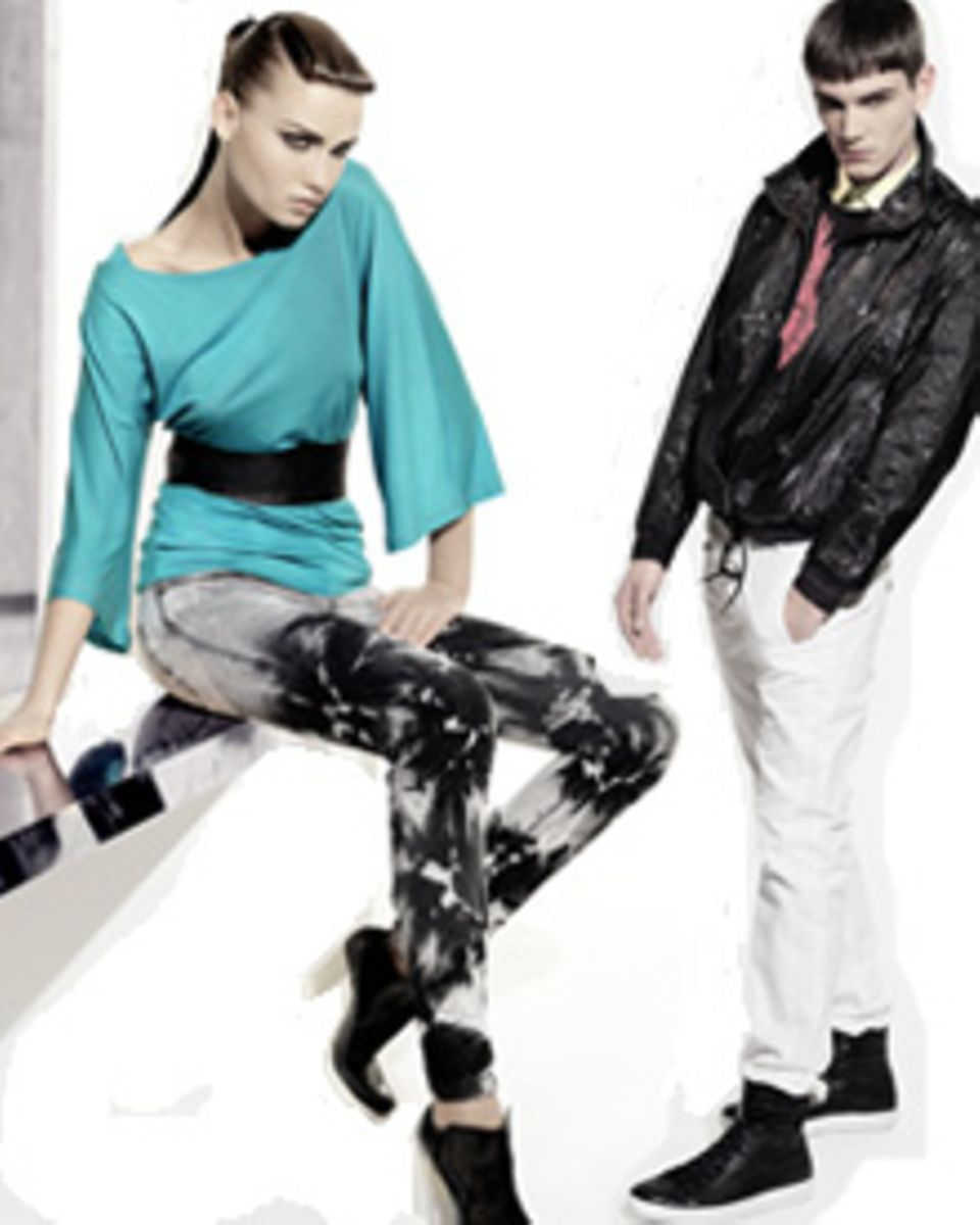 Marmorierte Jeans, Metallic-Look und Basketball-Steifel: Diese Elemente kennzeichnen die Joop! Jeans-Kollektion