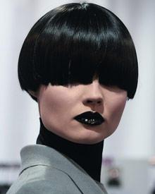 Model auf der Yves Saint Laurent Show Herbst / Winter 2008