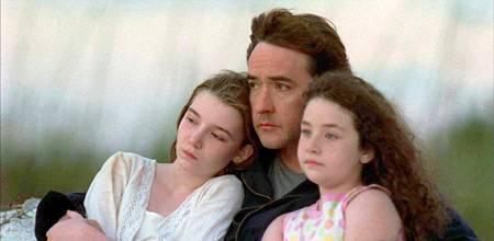 Auf der langen Autofahrt kommt Stan (John Cusack) seinen beiden Töchtern näher