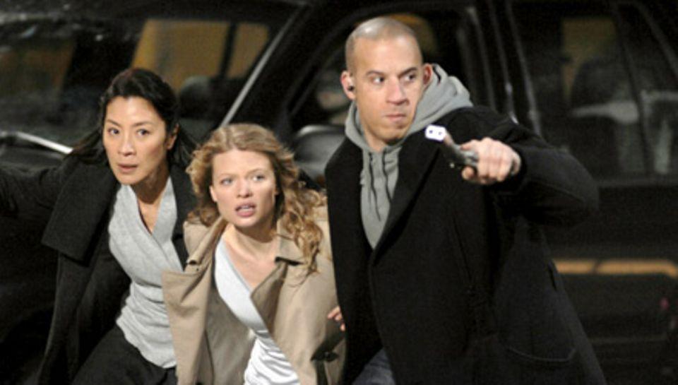 Toorop (Vin Diesel) beschützt Aurora (Melanie Thierry) und Schwester Rebecca (Michelle Yeoh) mit allen Mitteln
