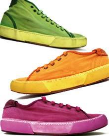 """Stückgefärbte Leinen-Sneaker aus der Kollektion """"Allenamento '66"""". Erhältlich ab ca. 145 Euro in ausgewählten Geschäften"""