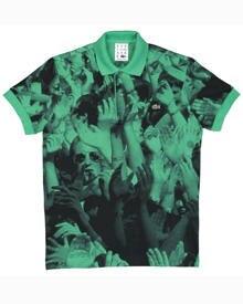 Das von R.E.M.-Sänger Michael Stipe designte Lacoste-Shirt