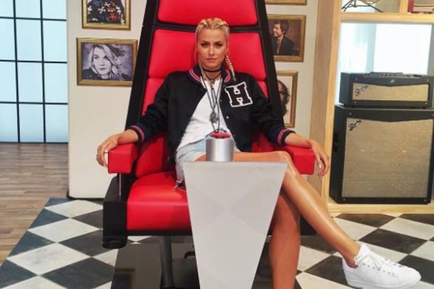 """Lena on air: Die Gesangsshow """"The Voice"""" moderiert sie donnerstags (ProSieben) und sonntags (Sat.1) jeweils um 20.15 Uhr."""