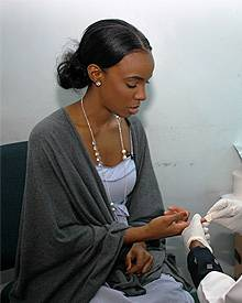 R'n'B-Star Kelly Rowland lässt sich auf HIV testen