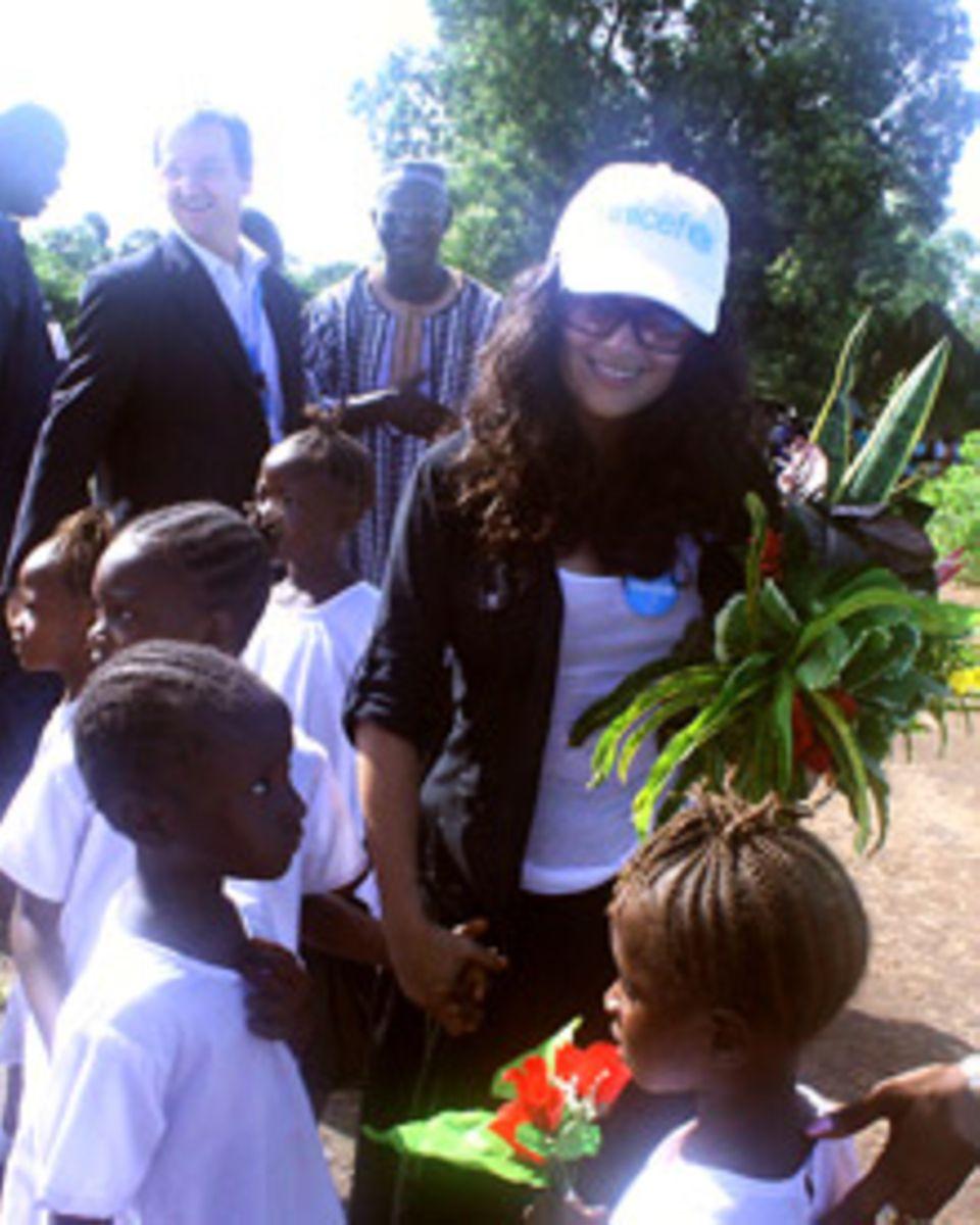 Salma Hayek auf ihrer Reise in Sierra Leone
