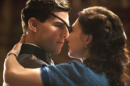 Stauffenberg (Tom Cruise) mit seiner Frau Nina (Carice van Houten). Die echte Nina Schenk Gräfin von Stauffenberg starb am 2. Ap