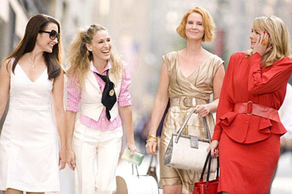 Charlotte York (Kristin Davis), Carrie Bradshaw (Sarah Jessica Parker), Miranda Hobbes (Cynthia Nixon) und Samantha Jones (Kim C