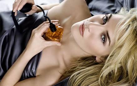 """Glamour-Queen: 2009 ist Kate Winslet, fotografiert von Tom Munro, das exclusive Gesicht des Lancôme-Parfums """"Tresor"""""""