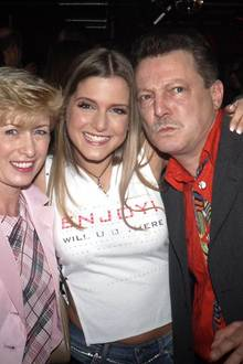 Sie hatten schon immer ein enges Verhältnis: Jeanette Biedermann an ihrem 20. Geburtstag mit ihren Eltern Marion und Bernd.
