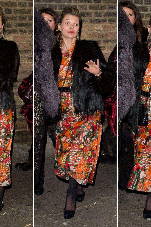 Der Blick ist verklärt und der Gang so garnicht mehr grazil: Kate Moss hat beim Londoner Dinner etwas zu tief ins Glas geschaut.