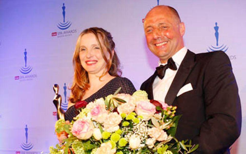 Gewinnerin Julie Delpy und GALA-Chefredakteur Peter Lewandowski