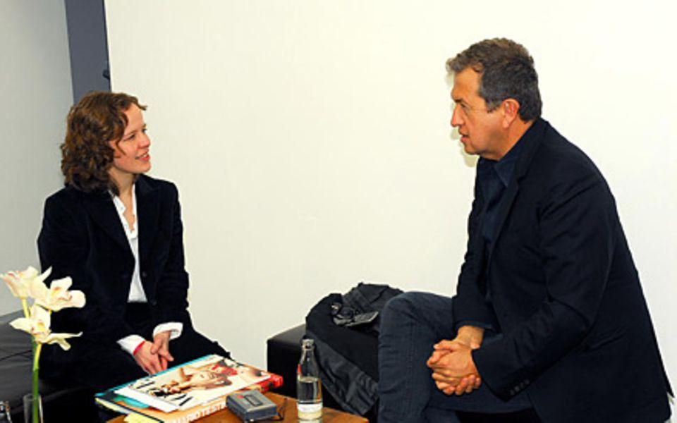 """Gala-Redakteurin Stefanie Richter traf Mario Testino anlässlich des Medienpreises """"Lead Awards"""" in Hamburg"""