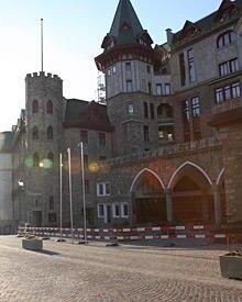 """Gefeiert wird nach der Trauung im """"Badrutt's Palace"""""""