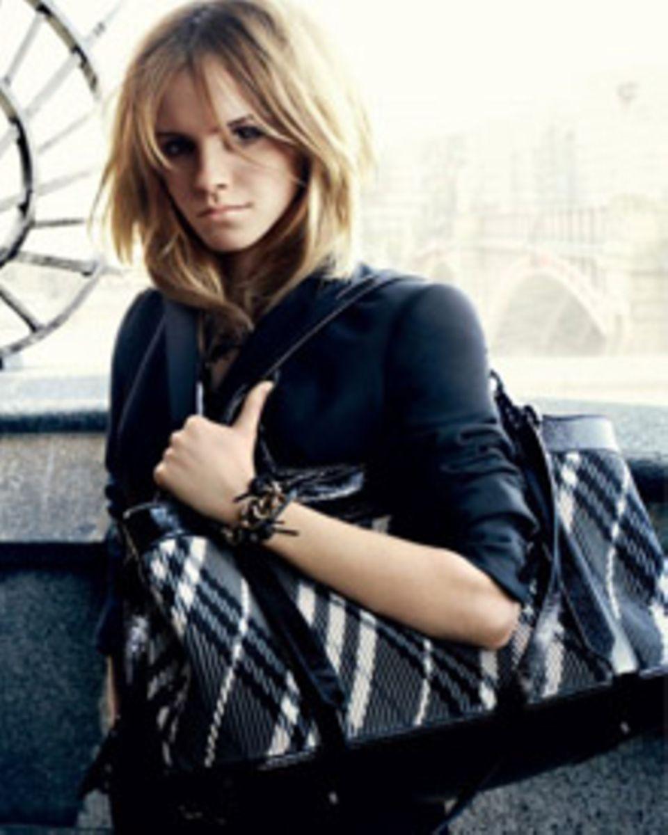 "Star-Fotograf Mario Testino setzt Emma Watson für ""Burberry"" in Szene."