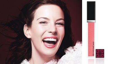"""""""Gloss Interdit"""" heißt Livs persönlicher Lipgloss-Favorit. Von Givenchy, erhältlich in 12 Farbnuancen, ca. 24 Euro"""