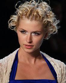 Funkelndes Augen-Make-up wie bei Lena Gercke war der Hingucker für die Sommermode 2010