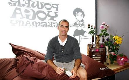 """Auch in Hamburg hat Bryan Kest jetzt ein """"Power Yoga""""-Studio eröffnet"""