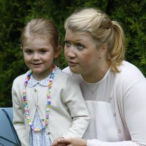 Prinzessin Estelle, Nanny Katie Millington
