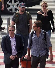 Renée Zellweger und Bradley Cooper zusammen am Flughafen