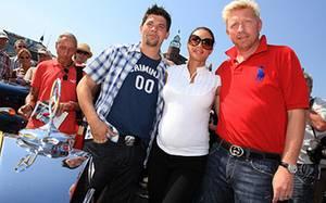 Tim Mälzer, Lilly Becker und Boris Becker amüsierten sich inmitten der Oldtimer