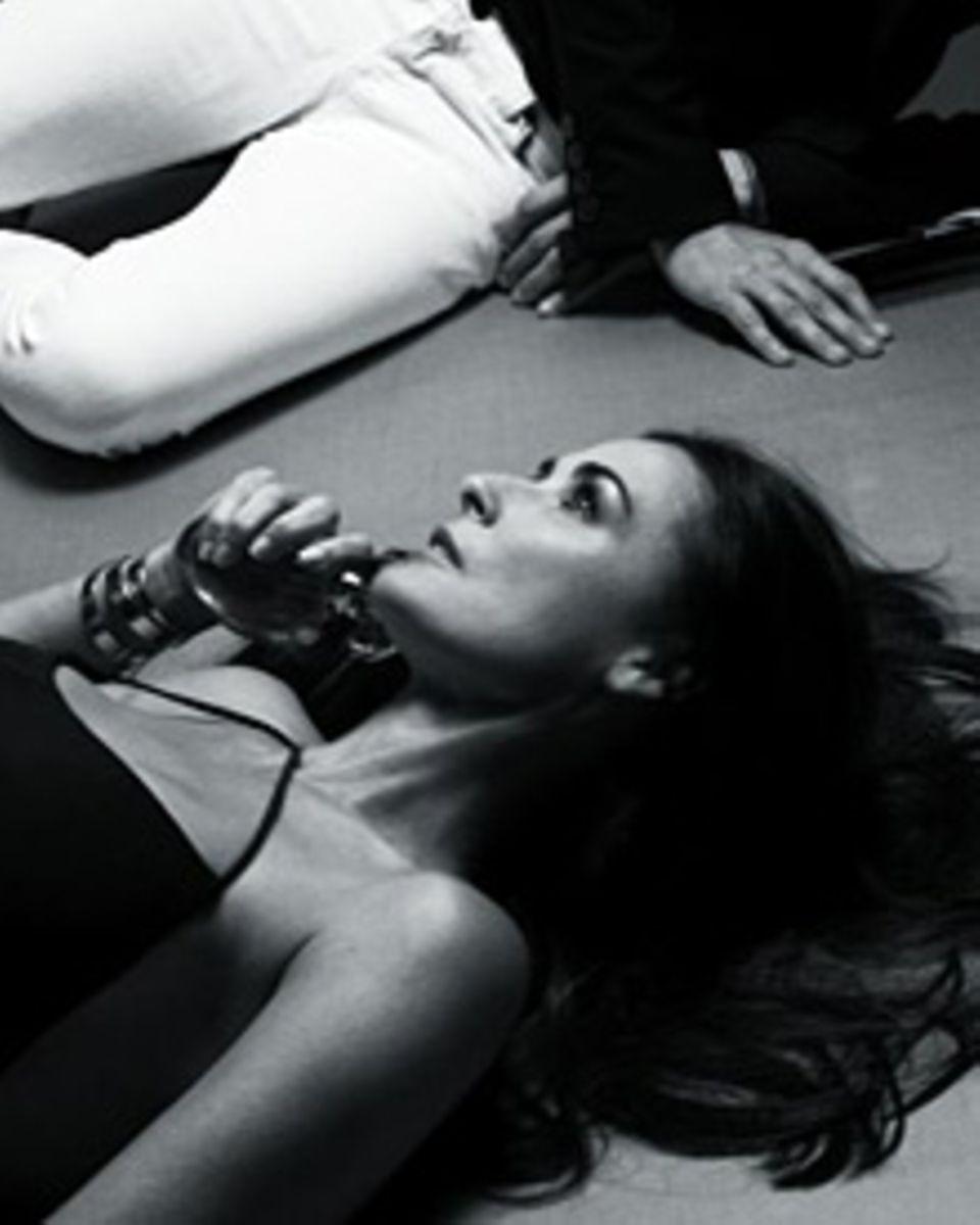 """Demi Moore verkörpert die Vision einer modernen Amazone, die """"Helena Rubenstein"""" mit ihrem neuen Parfüm umhüllen will"""