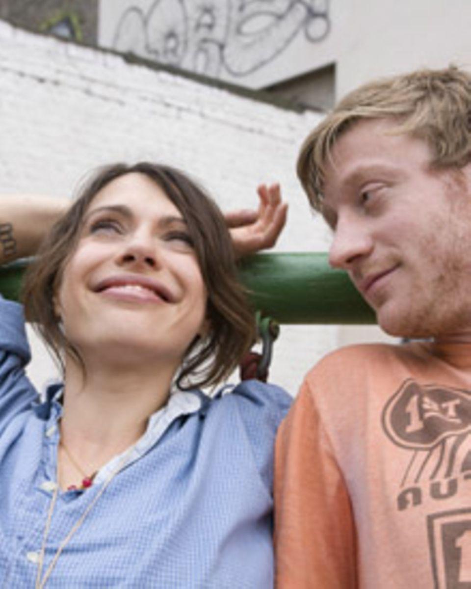 """Ab 8. Oktober ist Jana Pallaske in """"Männerherzen"""" zu sehen. Sie spielt Nina, die ungewollt von ihrem Freund Philip (Maxim Mehmet"""