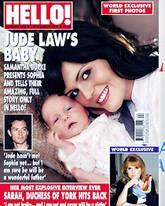 """Samantha Burke und Töchterchen Sophia lächeln vom Titelblatt der """"Hello""""."""