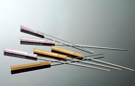 Sie sehen schlimmer aus als sie sind: Akupunkturnadeln