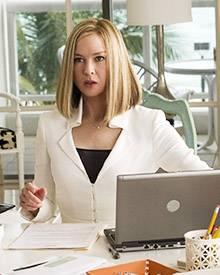 Die erfolgreiche Karrierefrau Monica (Renée Zellweger) muss sich durch das verschneite Minnesota kämpfen.