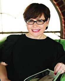 Suzi Weiss-Fischmann ist der kreative Kopf hinter den OPI-Produkten. Auf www.suzisbeautyblog.com schreibt sie über alles, was sc